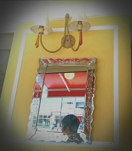 喫茶店の鏡.jpg